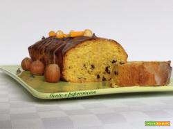 Plumcake con gocce al cioccolato e nocciole