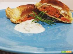 Mini strudel di zucca e speck con salsa al gorgonzola
