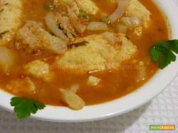 Zuppa di cavolfiore con gnocchi di semolino e pisellini