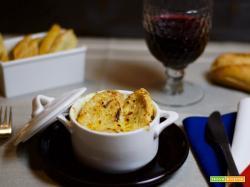 Parigi nel cuore e nel piatto: le Soup à l'oignon gratinée