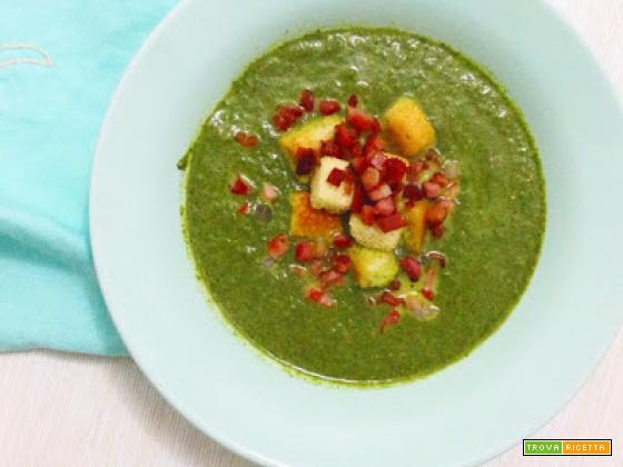 Zuppa di cavolo nero e briciole di speck