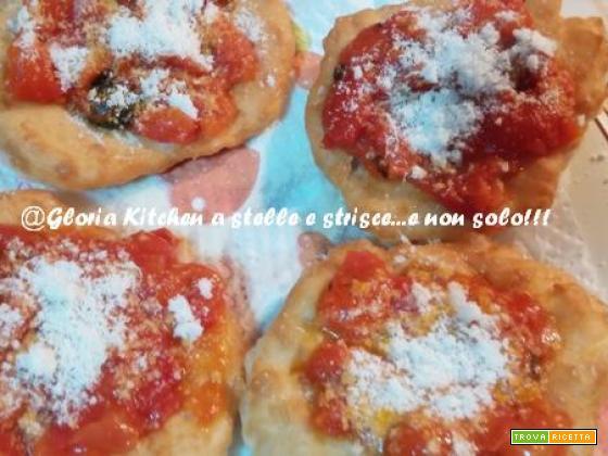 Pizzette Fritte alla Napoletana con Impasto Leggero di Gloria KitchenUSA