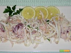 Calamari lessi in insalata