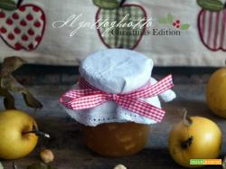 Confettura di mele con nocciole e rum