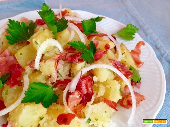 Insalata di Patate con Speck e Cipolla