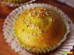 Muffin ricotta, pesto e curcuma