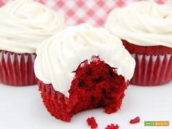 Red Velvet Cake con Frosting Godurioso di Gloria KitchenUSA
