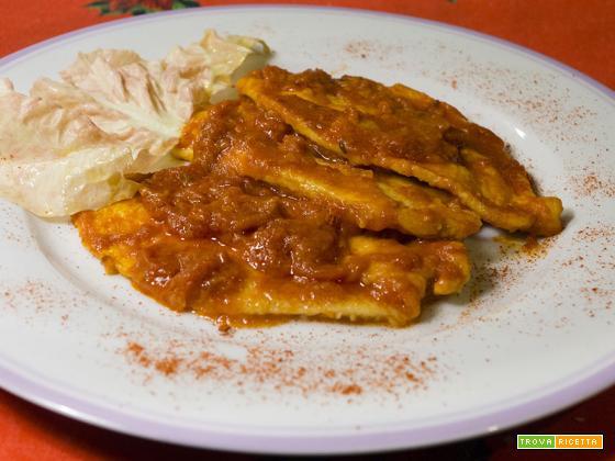 Scaloppine di pollo al pomodoro e paprika