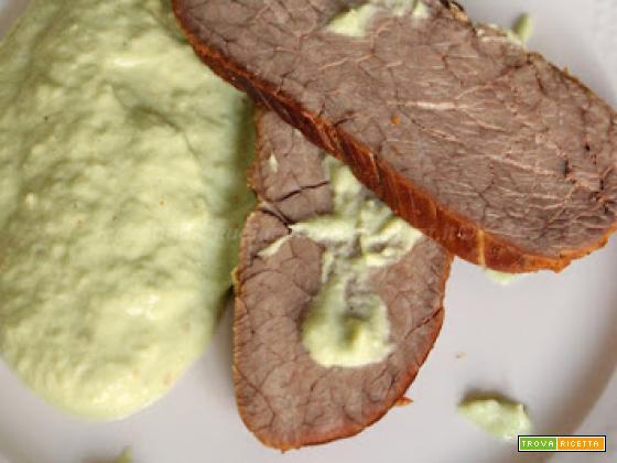 Arrosto di spalla di bovino con salsa di foglie di cavolo romanesco