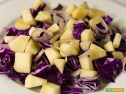 Insalata di cavolo e mele – ricetta veloce