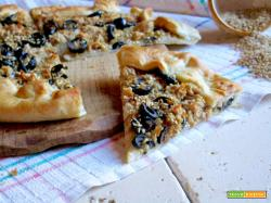 Torta Salata al Tonno, Sesamo e Olive