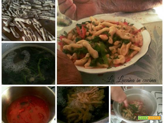 Cavatelli con cime di zucchine al pomodoro