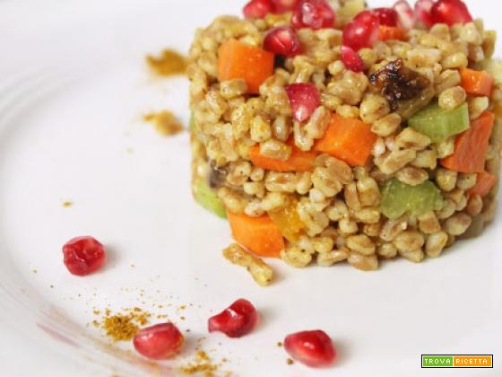 Farro Autunnale con Verdure Croccanti, Curry e Melograno e l'importanza dei Cereali in Chicco