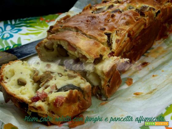 Plum cake salato con funghi e pancetta affumicata