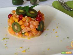 Tartare di salmone e papaya con Nergi al profumo di lime e menta