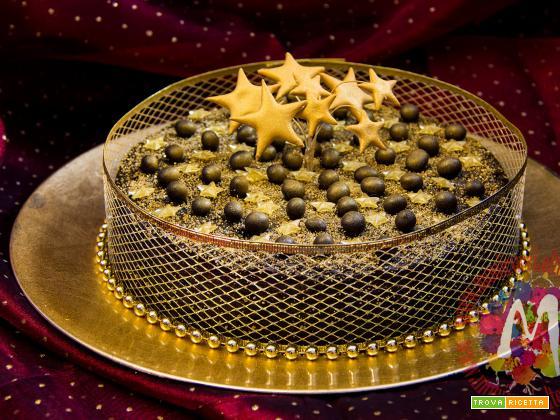 Torta speziata con frutta e cioccolato al profumo di caffè