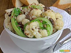 Cavolfiore in insalata con acciughe e olive