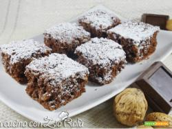 Quadrotti cioccolato e frutta secca