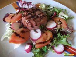 Insalata con carne in gelatina