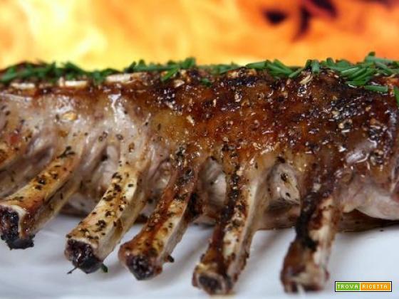 Carrè di Agnello con salsa ai mirtilli