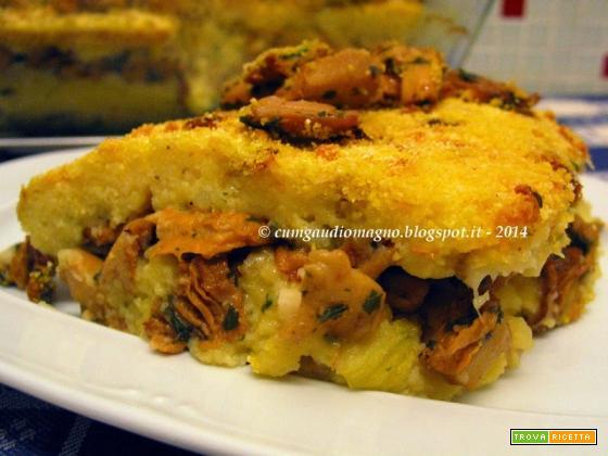 Sformato di funghi e formaggio al vetro con fiori di zucca e pomodori secchi