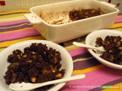 Crambol di pere d'emergenza con cacao e arachidi