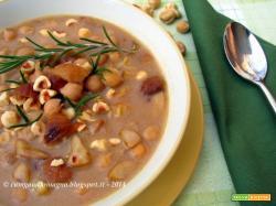 Zuppa di ceci, marroni e nocciole tostate