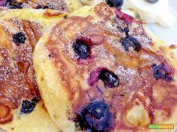 Blueberry Pancakes, Yogurt Greco e Miele