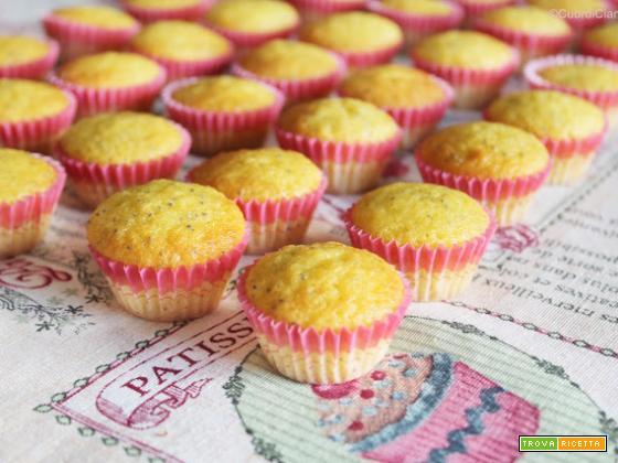 Muffin leggeri con Limone e Semi di Papavero
