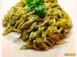 Trofiette profumate al pesto di basilico e pistacchi