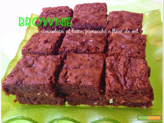 Brownies cioccolato al latte, pistacchi e fleur de sel
