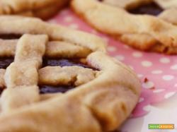 Crostata pate sablee con confettura di prugne