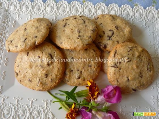 Biscotti con arachidi e cioccolato senza glutine