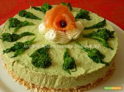 Cheesecake salato con cime di rapa e salmone affumicato