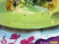 Gateau di patate con salsiccia, friarielli e scamorza affumicata