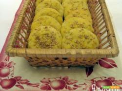 Finger breads con sesamo e cipolle
