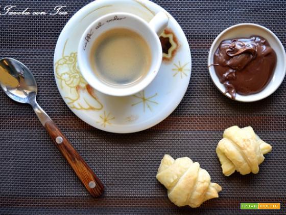 Mini Croissant alla Crema di Nocciole