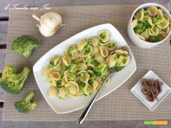 Orecchiette Broccoli e Acciughe