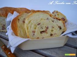 Pane farcito con formaggi e salumi