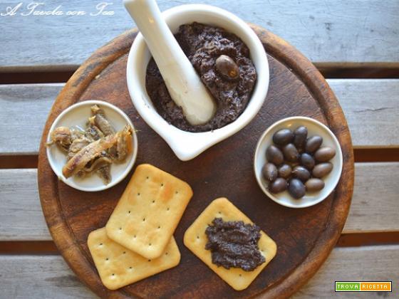 Patè di olive fatto in casa