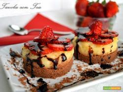 Tortine al cioccolato con crema e fragole (senza cottura in forno)