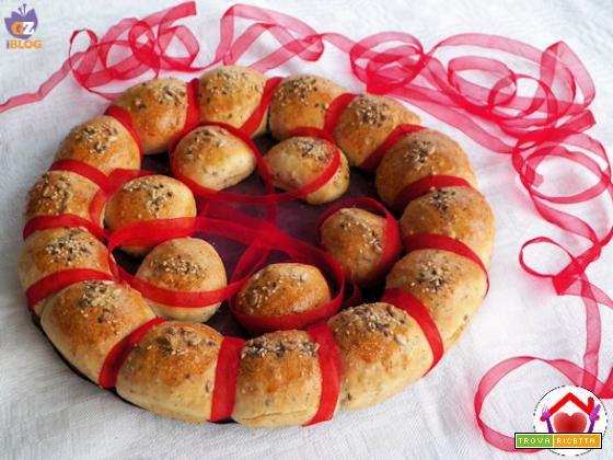 Corona di pane ai semi vari