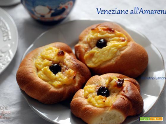 Veneziane con crema e amarene