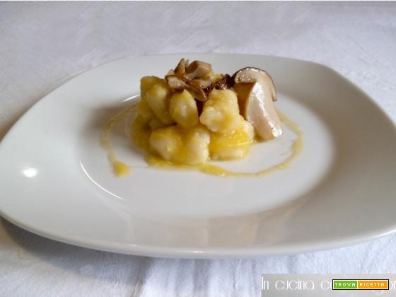 Gnocchi di patate alla zucca e porcini