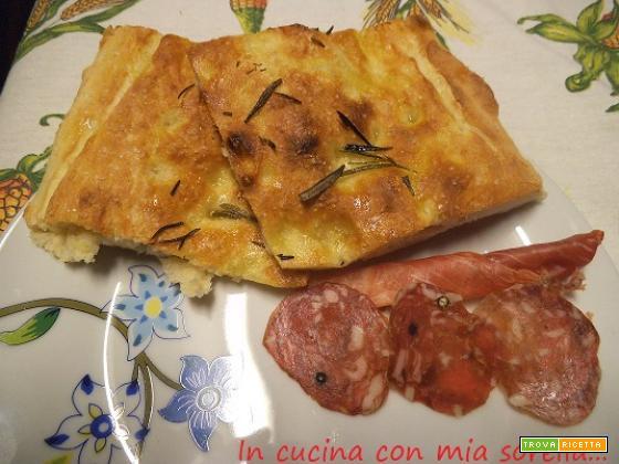 Pizza al rosmarino|Ricetta antipasto