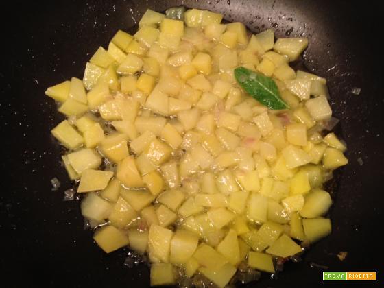 Mezze penne con patate e radicchio