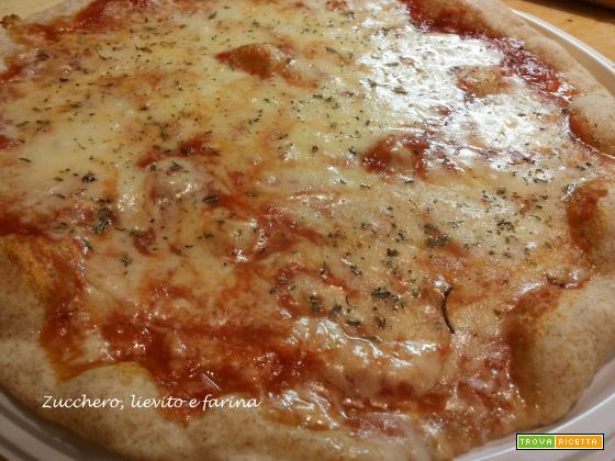 Pizza con farina integrale e lievito madre
