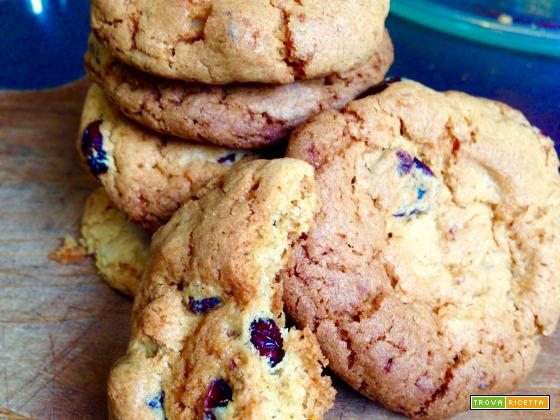 Cookies con Noci e Mirtilli Rossi