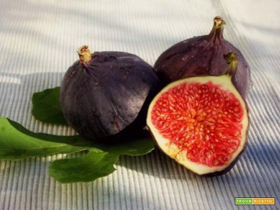 I fichi, dolci frutti di stagione: contrastano tumore e debolezza ossea