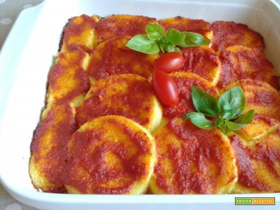 Gnocchi di semolino con salsa di pomodoro